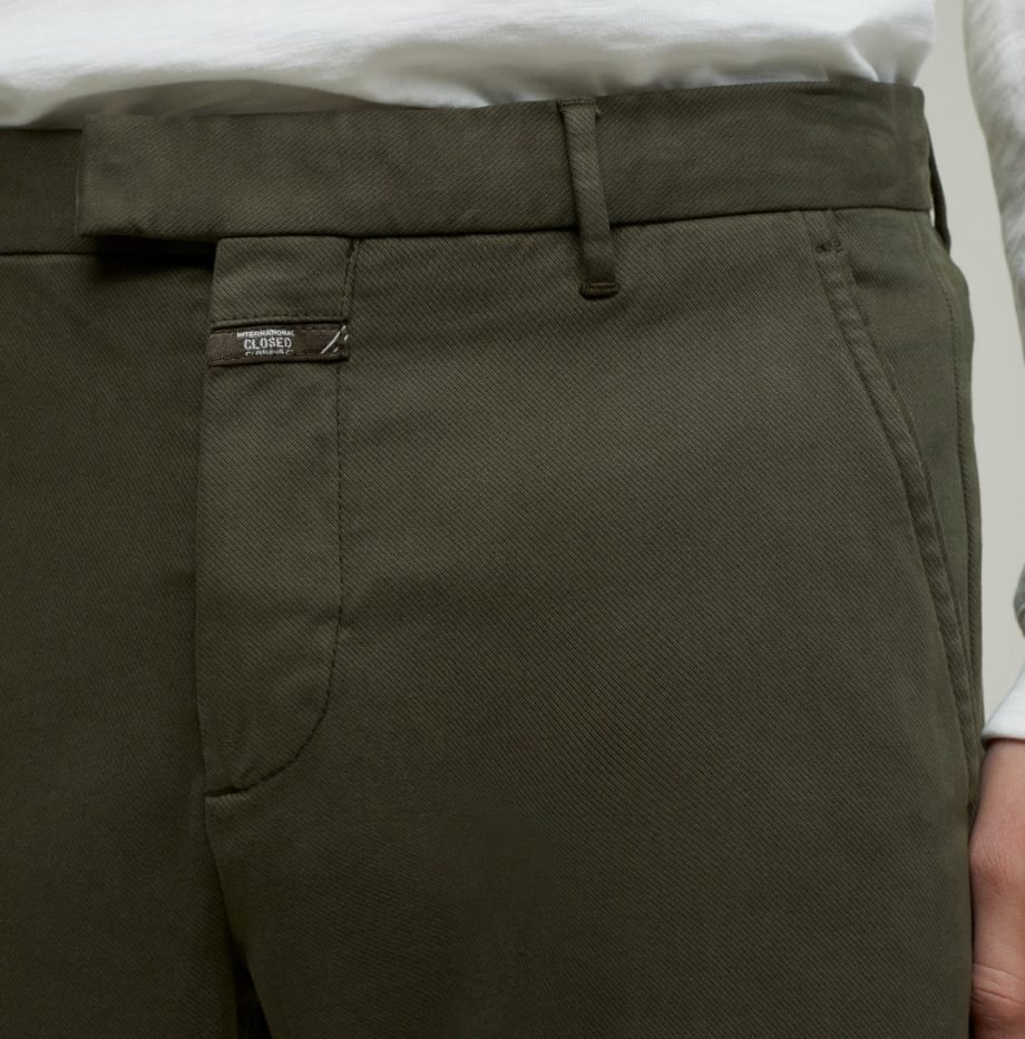 Chino Devon_Slim_Closed_Chard_Green_3