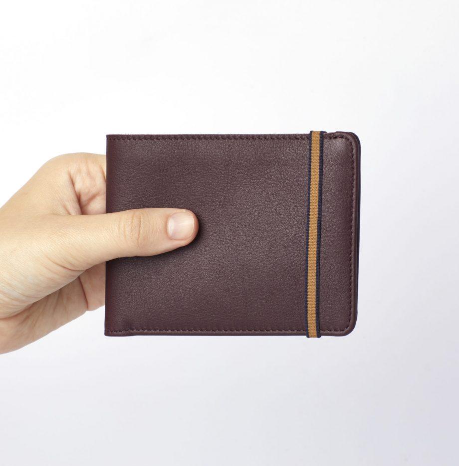 la902-bordeaux-burgundy-minimalist-wallet-hand-scaled
