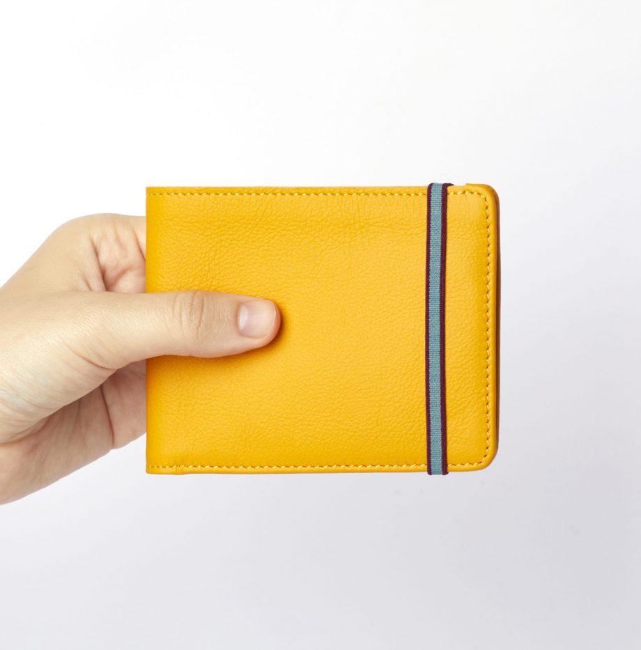 la902-jaune-yellow-minimalist-wallet-hand-scaled