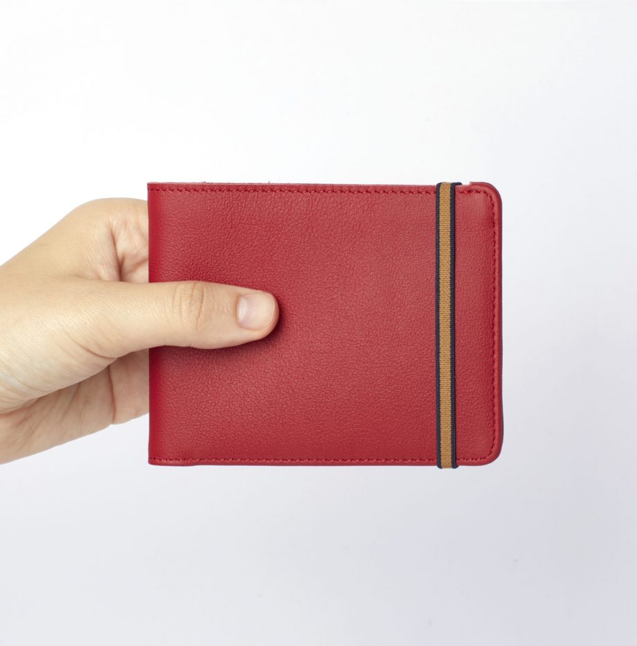 la902-rouge-red-minimalist-wallet-hand-scaled