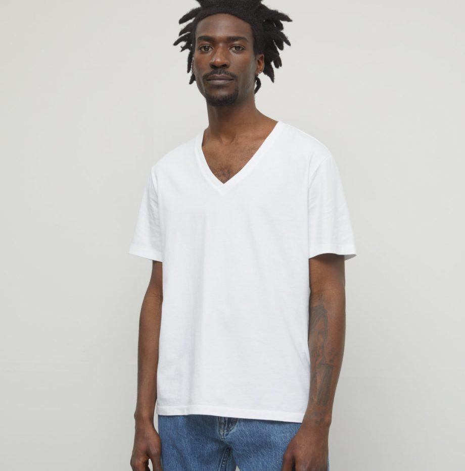 Tee-Shirt_Col_V_Closed_Blanc