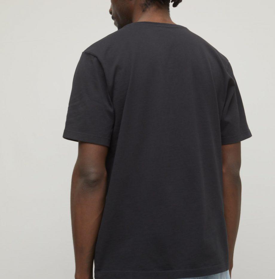 Tee-Shirt_Col_V_Closed_Noir_4