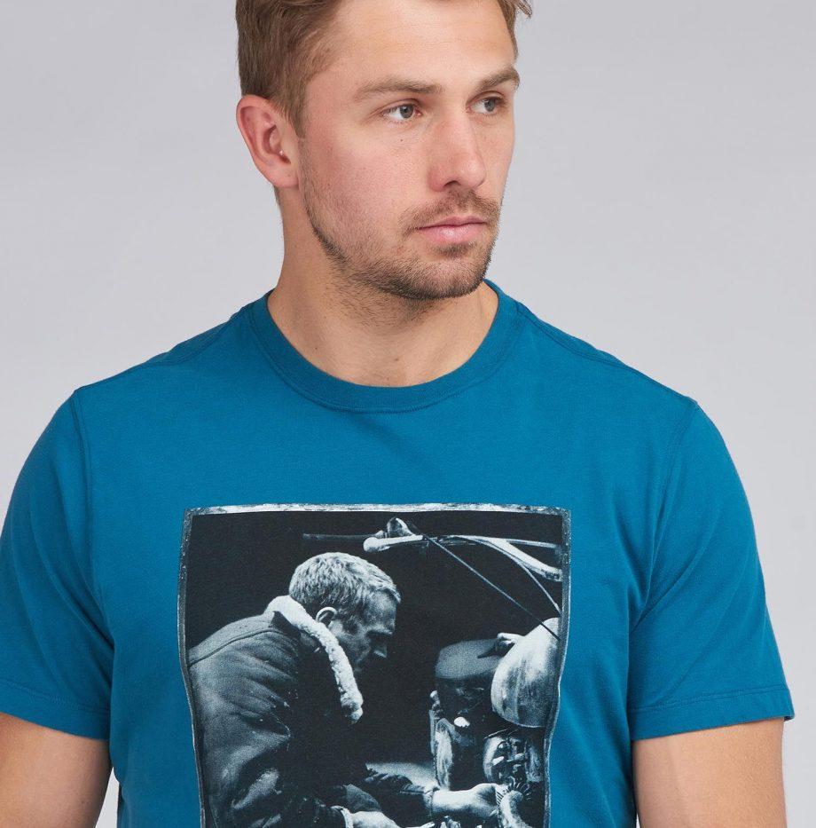 Tee-Shirt_Mechanic_STEVE_MCQUEEN™_Barbour_Legion_Blue_5